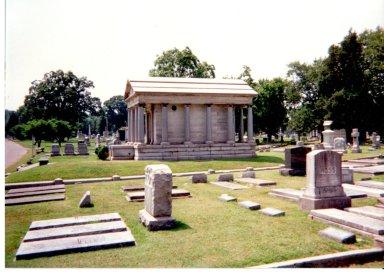 Oak Grove Cemetery, Mausoleum