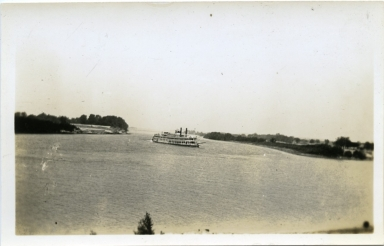 Sternwheeler at the Confluence