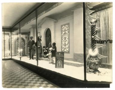 Rudy's Department Store, Window Display