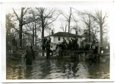 Rescue efforts in midtown Paducah during '37 flood.