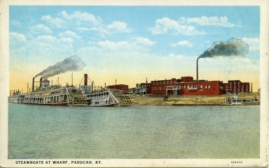 Steamboats at wharf on Ohio River at Paducah (KY)
