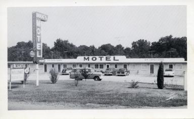 Doug's Motel on Hi-way 60 East in Paducah (KY)