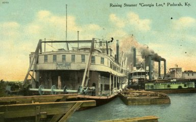 "Raising Steamer ""Georgia Lee,"" Paducah, Ky."