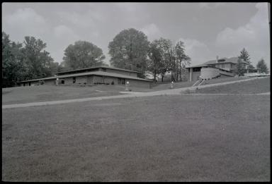 Charter Hospital, Grounds