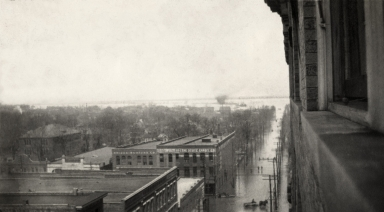 View from several stories up during April 1913 flood in Paducah (KY)