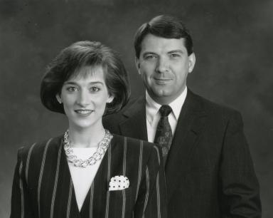 News anchors Bonnie Schrock and Ron Beaton