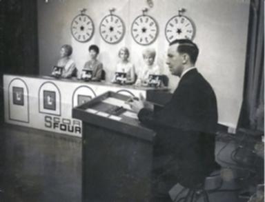 "Dan Steele on live game show ""Score Four"""