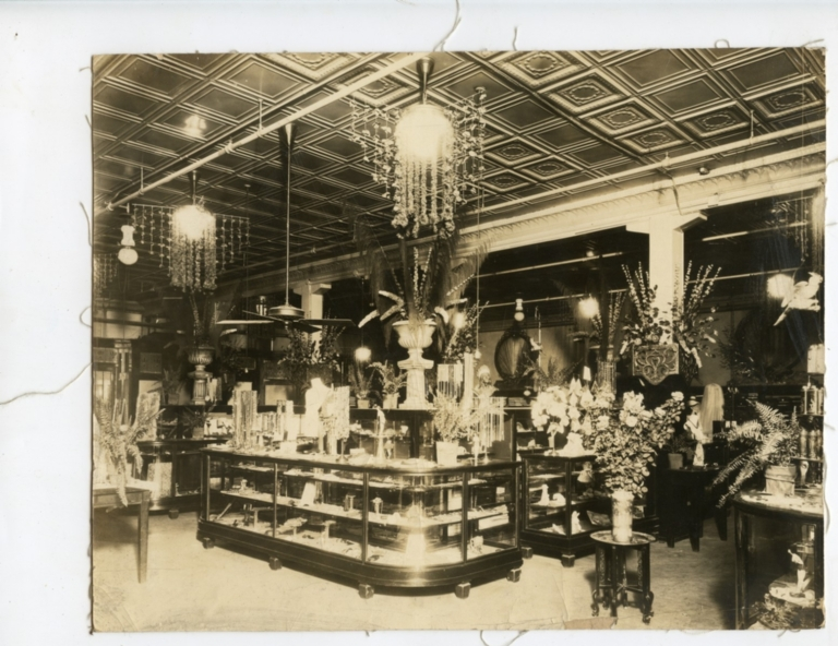 Rudy's Department Store, Interior