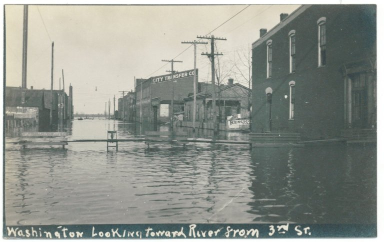 1913 Flood, Washington Looking Toward River From 3rd St.