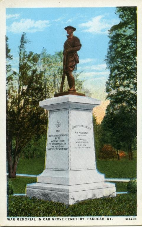 War memorial in Oak Grove Cemetery in Paducah (KY)