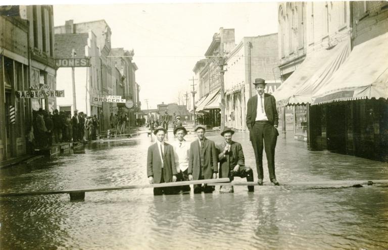 5 Men in a Flood