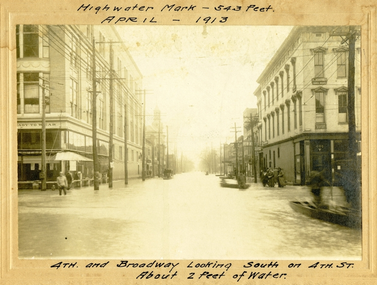 4th and Broadway During 1913 Flood