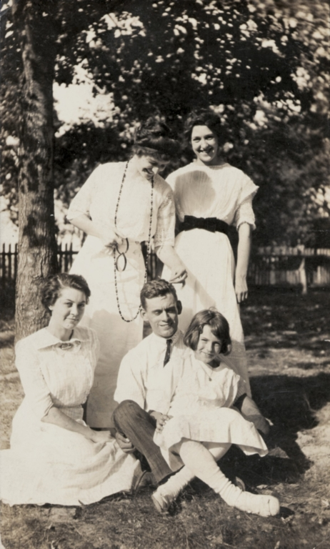 Virginia Holland, Lorena Weatherford, Ruth Bell, Bell Nichols and Laura E Bell
