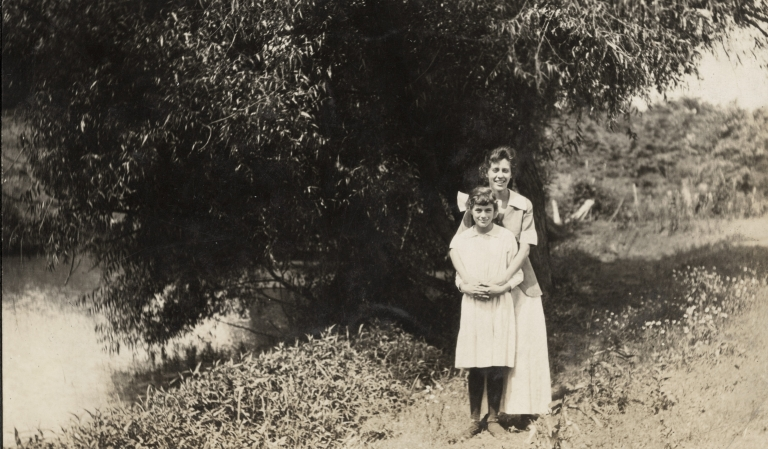 Laura E and Esther Christman Bell