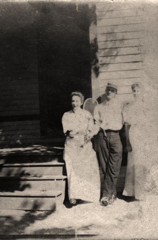 Adah Brazelton, Will Bell and Mary Brazelton