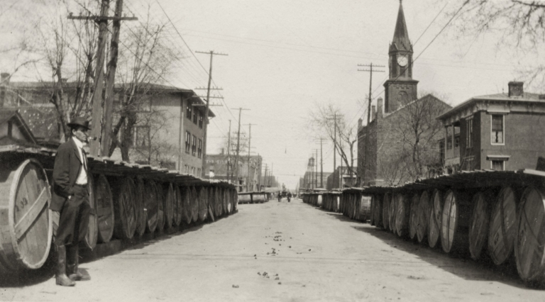 Paducah (KY) street with large barrels lining both sides