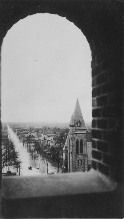 Looking west on Broadway from about 7th Street in Paducah (KY) during 1937 flood