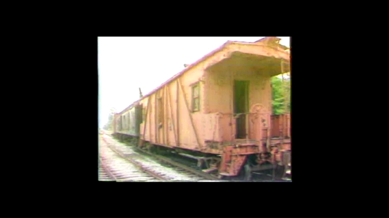 Paducah acquires mail/baggage car and caboose for Engine 1518