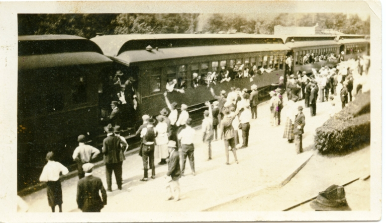 WWI Soldiers Leaving Paducah