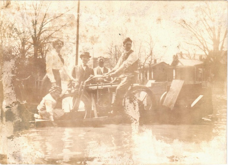 1913 Flood scene Paducah
