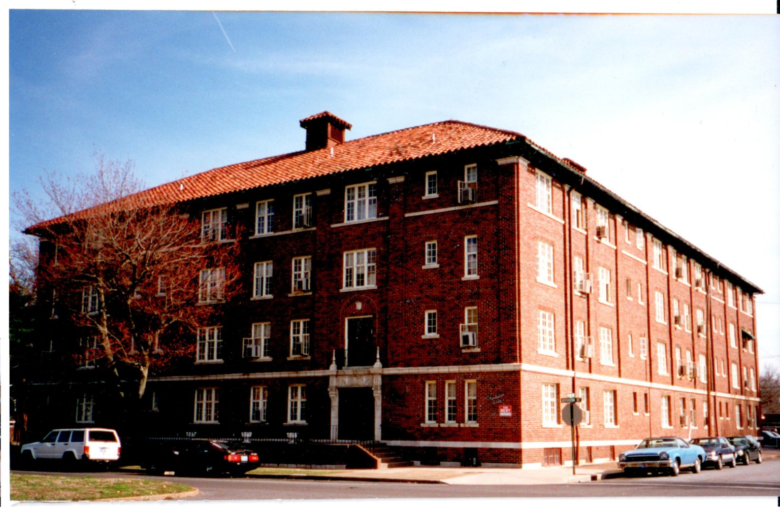 Charleston Apartments, Paducah