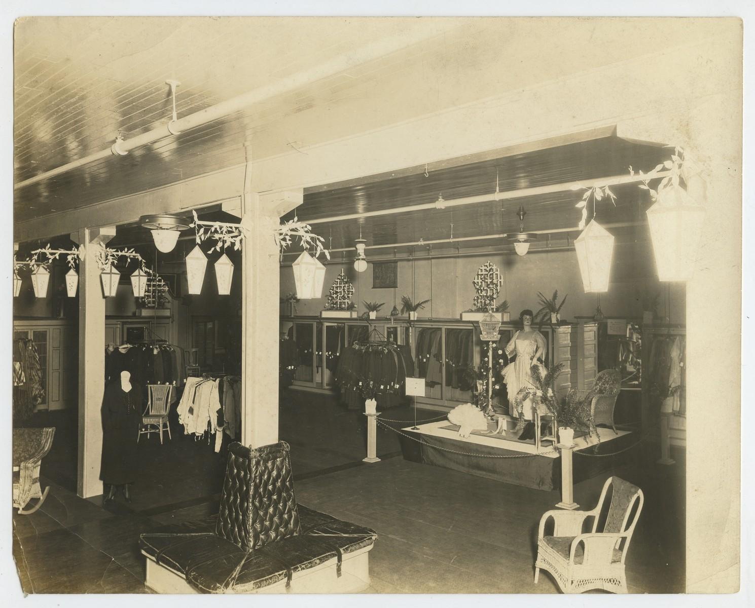 Rudy's Department Store, Interior