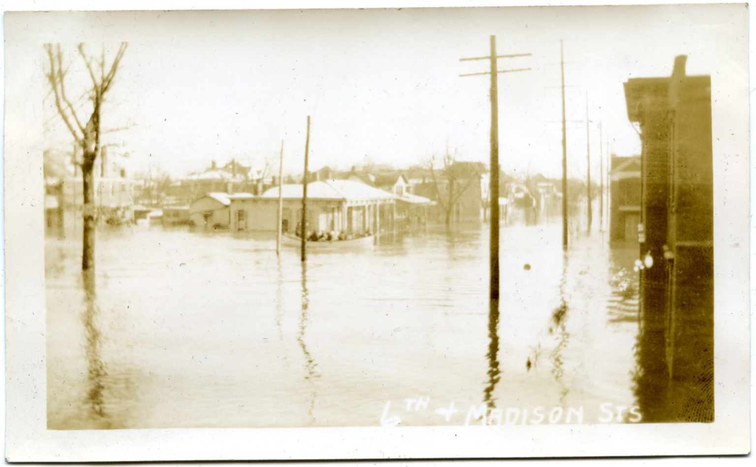 Smedley-Yeiser house in Lowertown during '37 flood.
