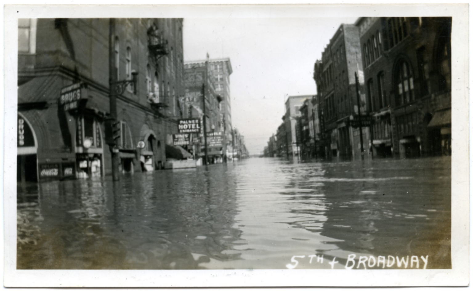 Broadway Street in downtown Paducah during '37 flood.