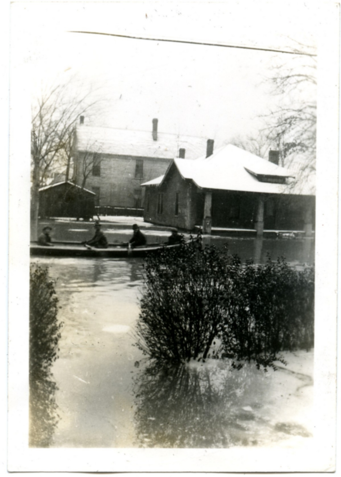 Evacuation efforts during '37 flood.