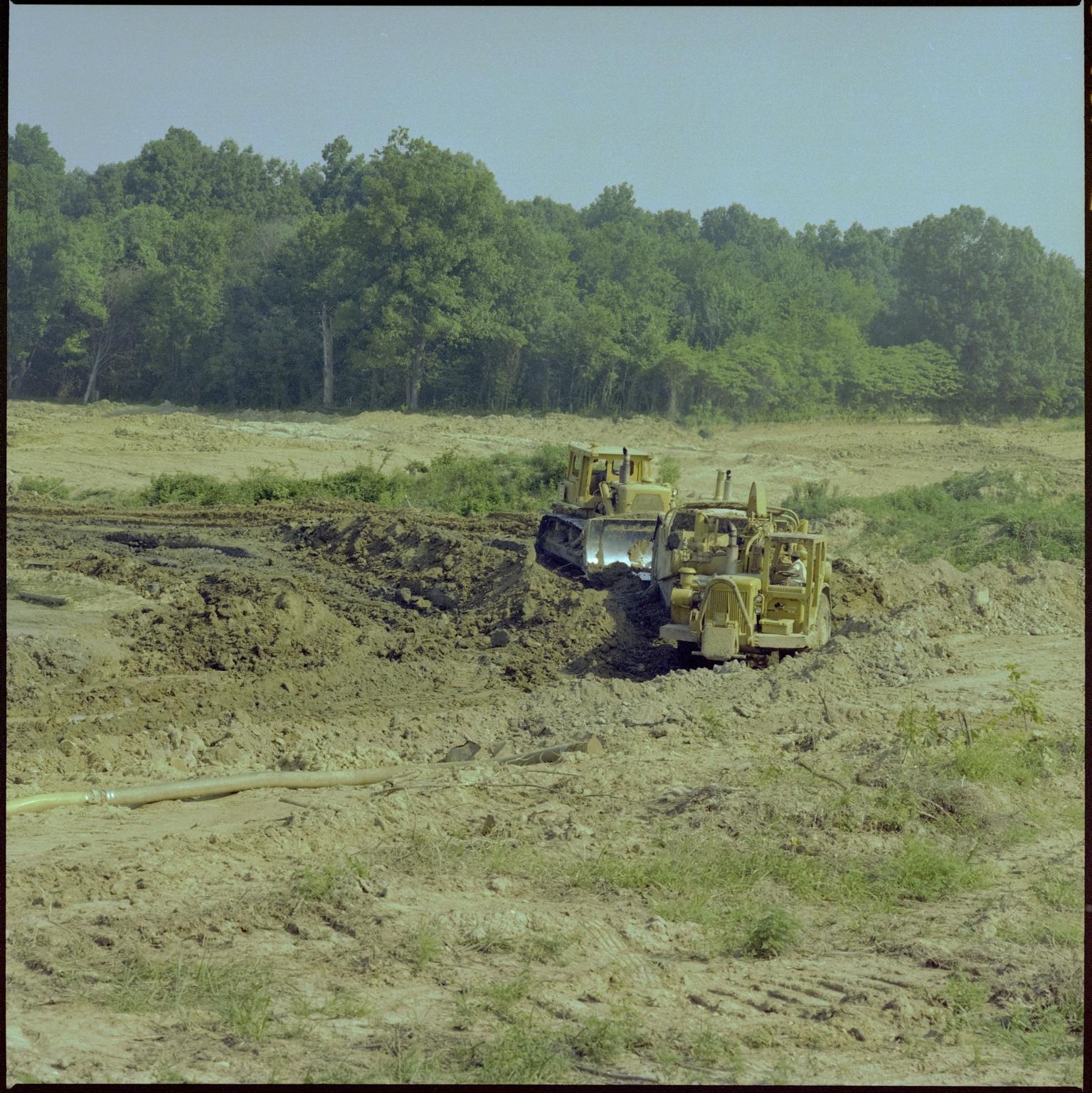 Construction of Kentucky Oaks Mall