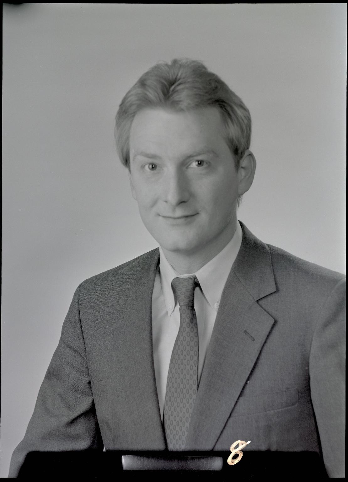 Robert Jeffrey  Hines
