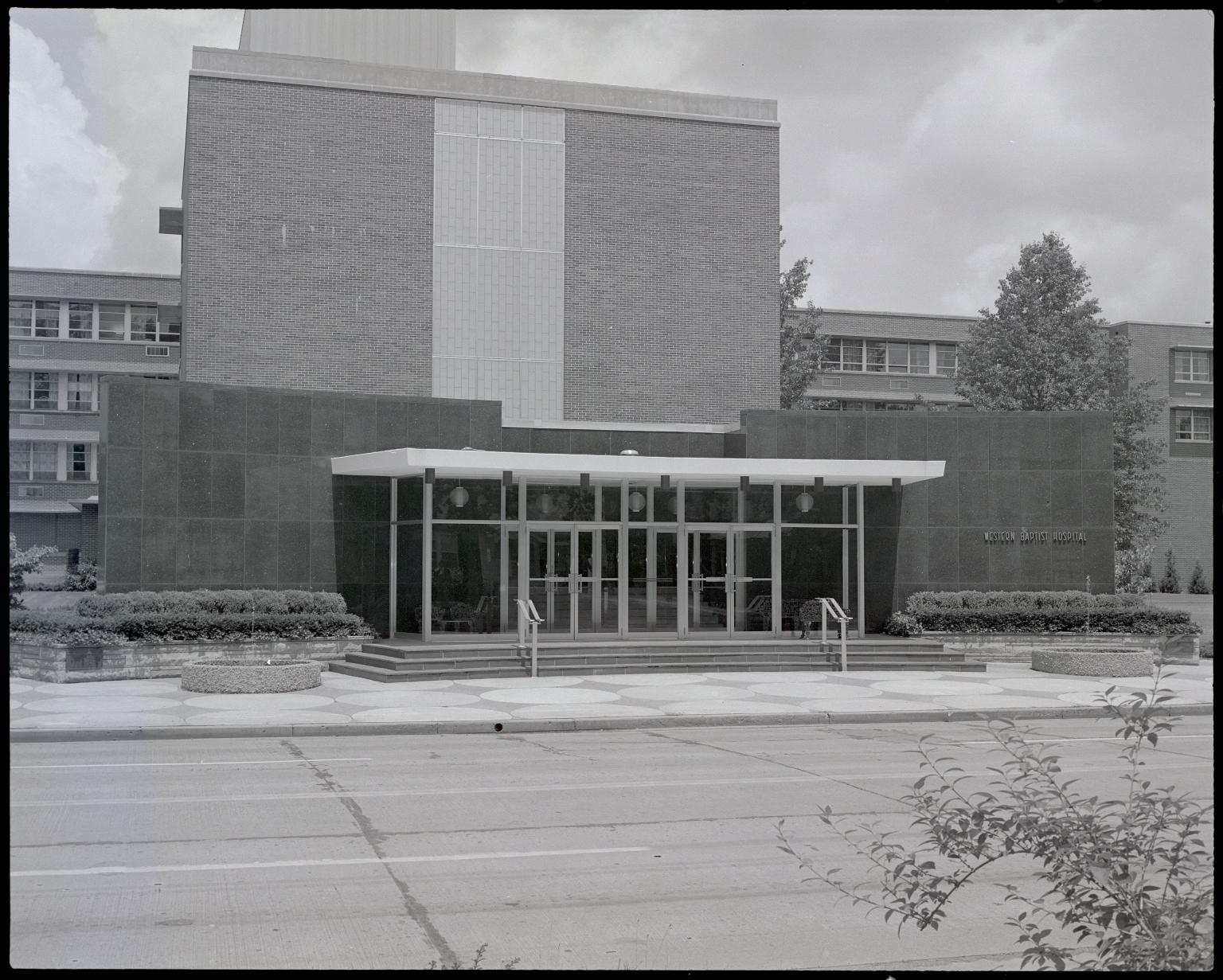 Western Baptist Hospital Entrance
