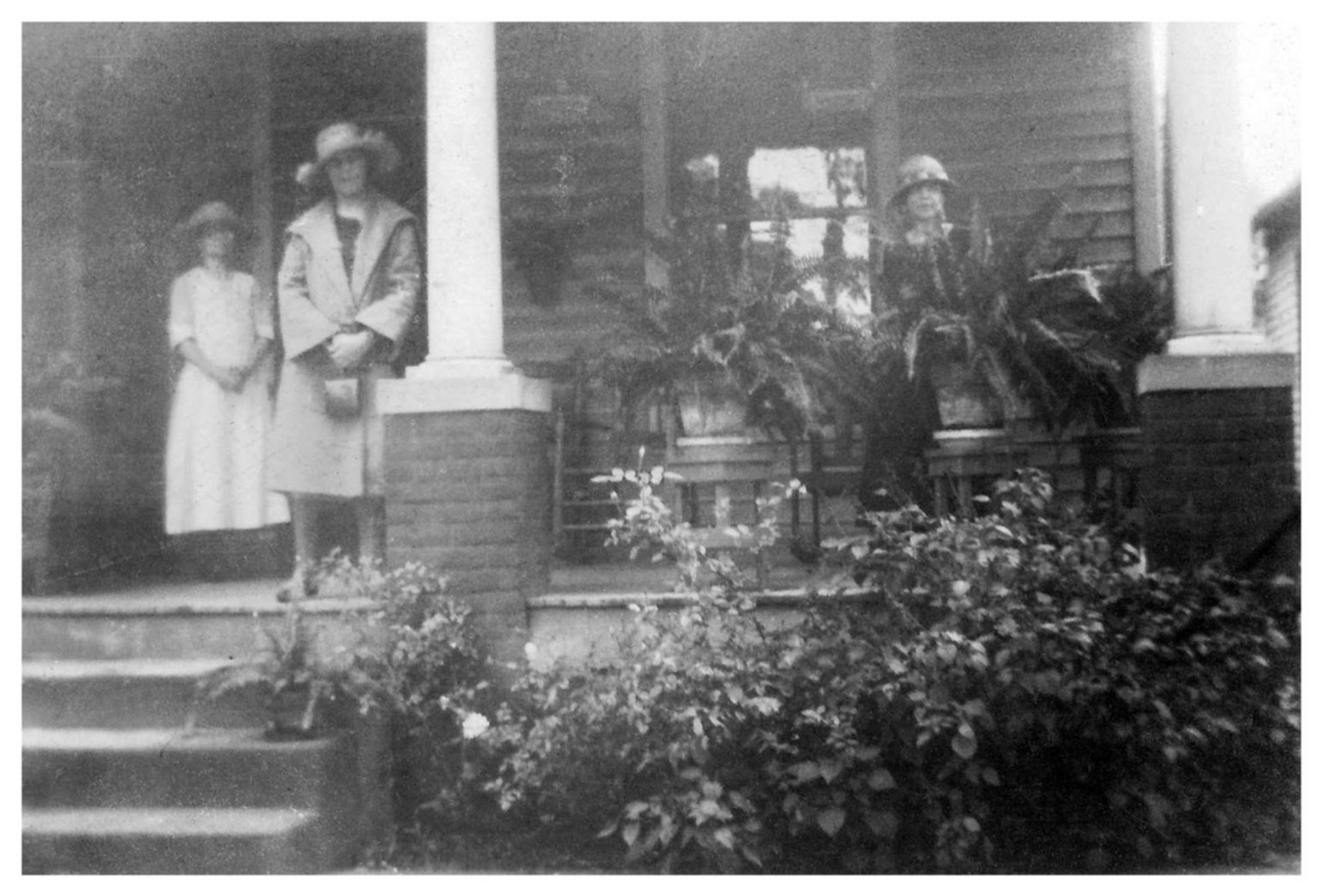 (Untitled) [women on porch]
